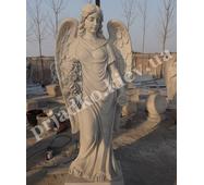 Фігура янгола з білого мармуру