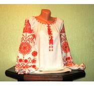 Сорочка вишита жіноча ручної роботи з орнаментом персикового кольору