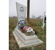 Надгробный памятник из бетона одинарный с цветником образец №2 купить в Ровно