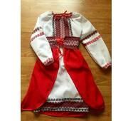 Вышитое платье для девочки с плахтой
