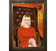 Янтарный портрет девушки
