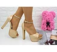 Женские стильные босоножки Rosebud на каблуке 1124