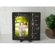 Рамка для фото з дерева з гравіюванням Family4