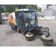 Вакуумная подметально-уборочная машина (автопылесос) Johnston CN200