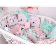 Комплект в овальне ліжечко з іграшками і хмарками в Рожево-м'ятному кольорі