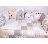 Комплект в ліжечко із звірятками у бежевих тонах