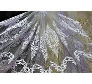 Тюль белоснежный с классической вышивкой на фатине в гостиную