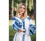 Стильное платье вышиванка