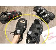 STK Жіночі босоніжки чорні на платформі, 36 р