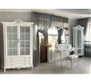 Белая двухдверная витрина для посуды Версаль Барокко стиль