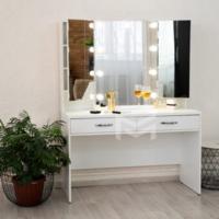 Гримерный столик с тремя зеркалами М626