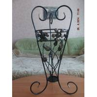Кована декоративна ваза