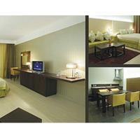 Обідні столи та стільці для готелів