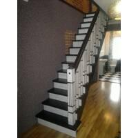 Дерев'яні сходи (прямокутні балясини)