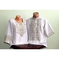 Парні вишиті сорочки на сірому полотні з вишивкою оливкового кольору. Ручна робота