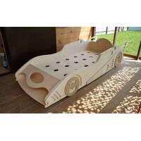Детская кровать Бетмобиль из дерева