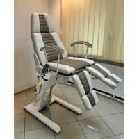 Педикюрно-косметологическое кресло КП-3 с электрическим регулятором высоты