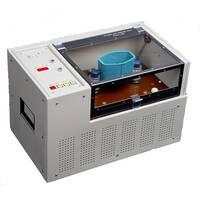 Установка для определения пробивного напряжения трансформаторного масла и других жидких диэлектриков.