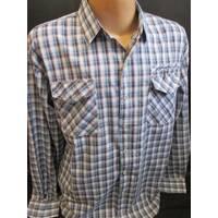 Рубашка в клетку с карманами на груди.