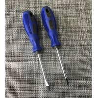 Отвертка с резиновой ручкой 15см