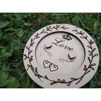 Блюдце из дерева для обручальных колец с гравировкой