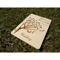 Деревянный свадебный альбом для пожеланий
