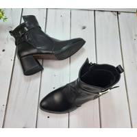 Женские черные кожаные ботинки на каблуке, 34