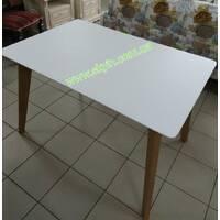 Дерев'яний розкладний стіл Мілан
