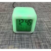 Годинники світяться хамелеон - кубик / 1375