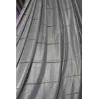 Золотистая тюль с переливом из натуральных волокон в спальную и гостиную в полоску