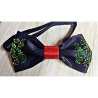 Метелик-краватка  вишивка   бісером (чорного кольору)