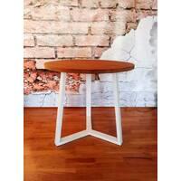 Круглый обеденный стол в стиле loft