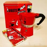 Подарочный набор Bialetti Carosello - гейзерная кофеварка Moka Express Color + блокнот красный