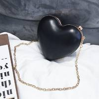 STK Маленька сумочка для дівчинки Сердечко чорна