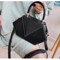 STK Нестандартная черная маленькая сумка