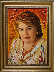 Портрет із бурштину по фото