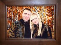 Портрет молодой пары с янтарного камня