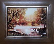 "Картина из янтаря ""Лебеди на озере"" 15х20 см"