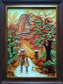 """Картина з бурштину """"Дівчина з парасолею"""" 30х40 см"""