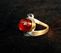 """Перстень із бурштину """"Міледі"""""""
