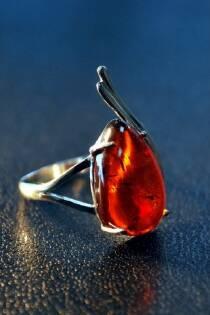 "Перстень із бурштину ""Герда"""