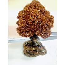 Чудове сувенірне дерево з бурштину