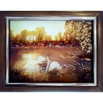 """Картина із бурштину """"Лебеді і лебедята"""" 15х20 см"""