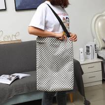 Корзина-сумка для белья игрушек черная Мелкие цветочки