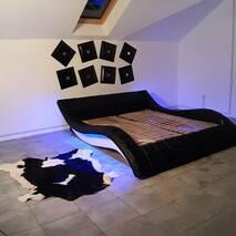 Мягкая двуспальная кровать с подъемным механизмом Alibi