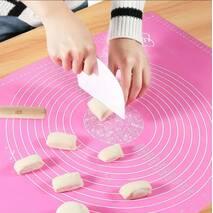 Килимок силіконовий Kamille 60*45 см для розкочування тесту і випічки