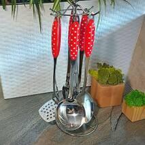Набір кухонного начиння на стойці, червоні ручки в горошок