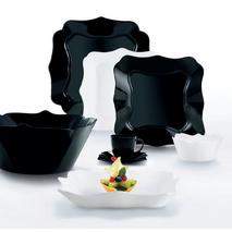 Набір посуду чорно/білий фігурний Luminarc Authentic Black & White 38 предметів (P4677)
