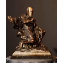 """Бронзовая статуэтка """"Рыцарь"""""""