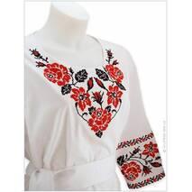 Женская блуза с поясом, вышитая яркими розами